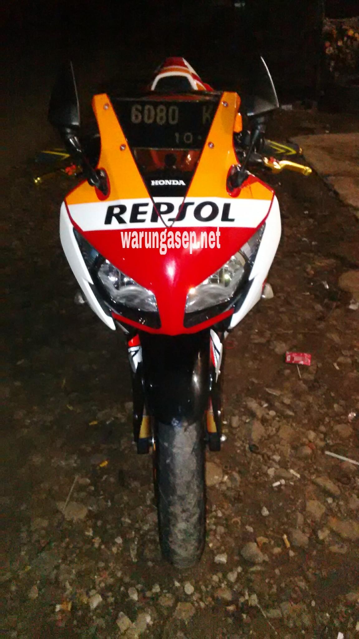 Modifikasi Honda Cbr150r Repsol Terinspirasi Rc213vnya Marquez Cbr 150cc Repsoledition Image