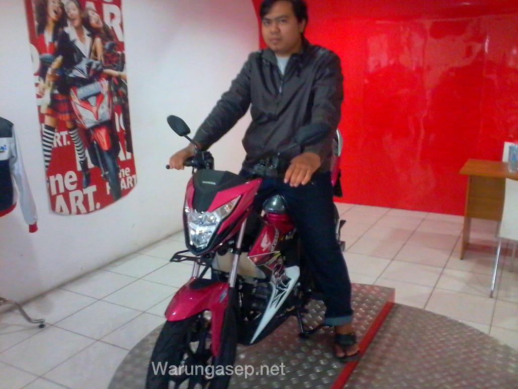 Kesan Pertama Melihat Honda Sonic 150r Warungasep Racing Red Jakarta Pandangan Ketika Ayago 150cc 4klep Dohc Yang Diklaim Bisa Mencapai Topspeed 124kg Jam Ini Bagaikan Motor Bukan