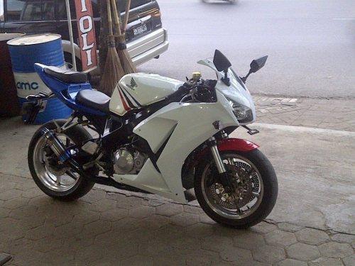 cbr k45 mesin 900cc