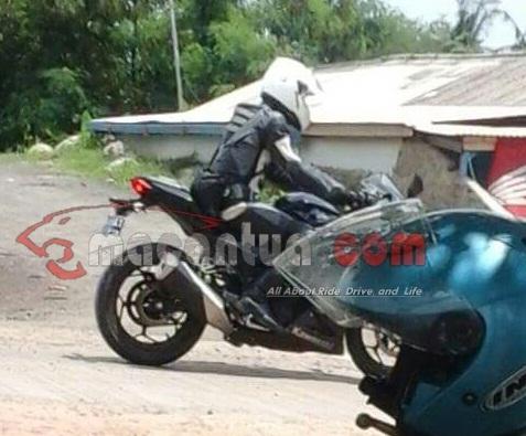 Ternyata Ninja 250 Fi 2 Silinder Diproduksi Lokal Oh Pantesan