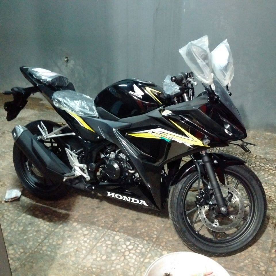 ide modifikasi cbr 150 warna hitam