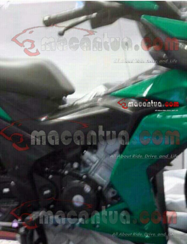 Desain motor bebek dengan menonjolkan bentuk mesin