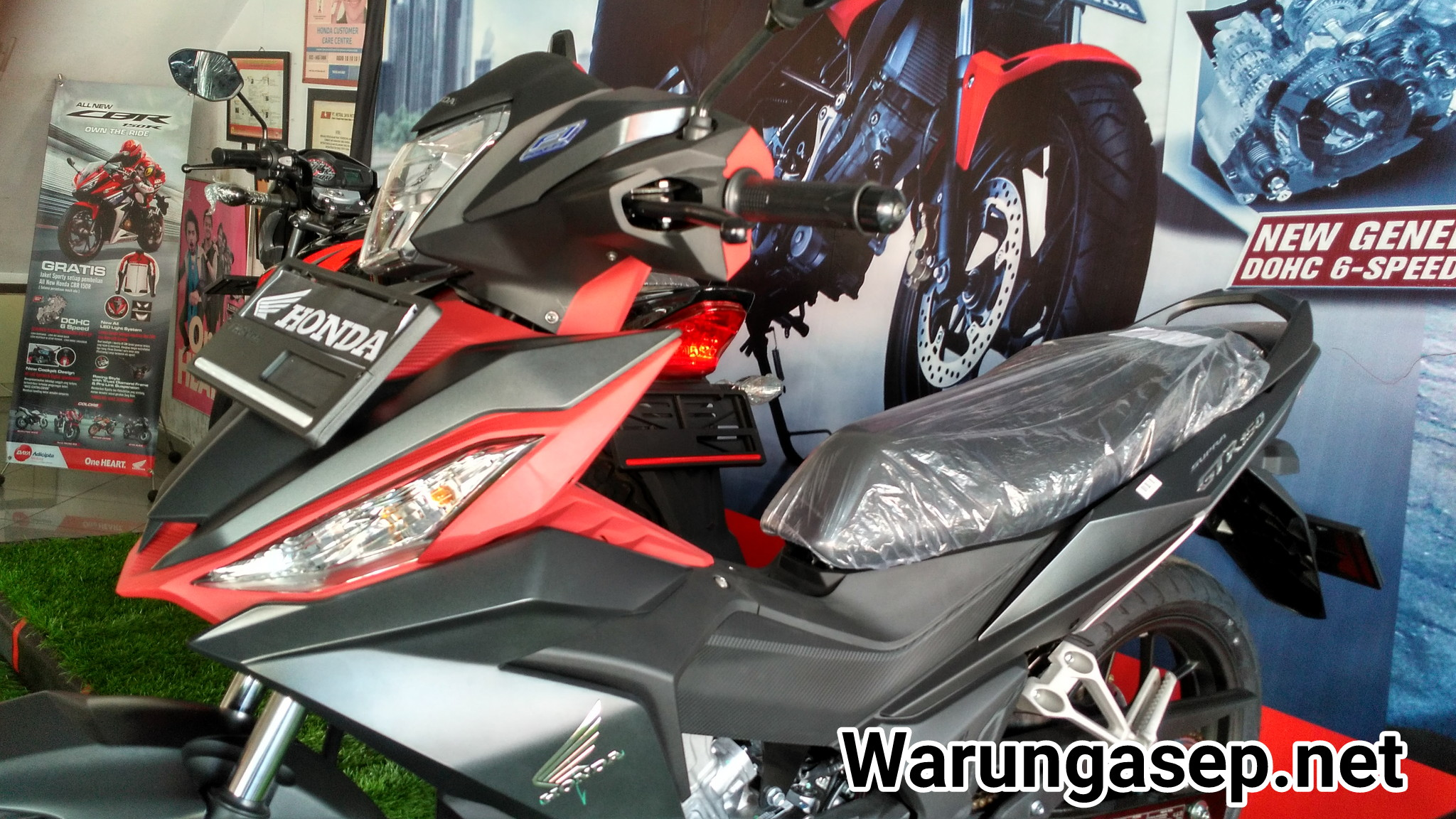 Lihat Lebih Dekat Honda Supra GTR 150 Warna Hitam Doff Exlusive Gun
